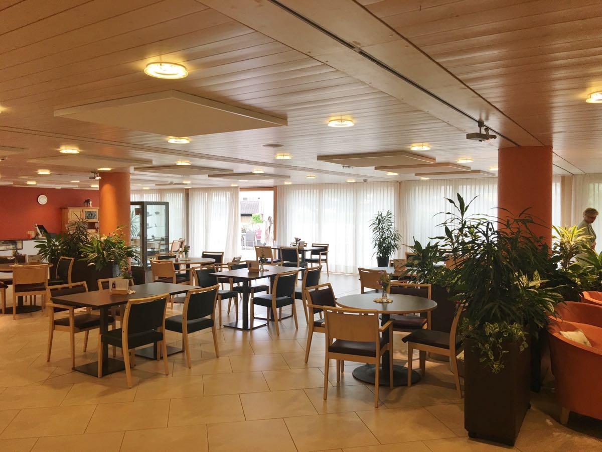 1a Caféteria seitlich